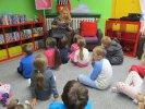 Przedszkolaki wysłuchały opowiadania Renaty Piątkowskiej o babim lecie_1