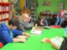 Klubowicze oglądają książki Przemysława Wechterowicza_1