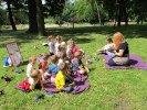 Razem z przedszkolakami wybraliśmy się do parku, by porozmawiać o książce