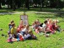 Klubowicze z Przedszkola Miejskiego nr 5 w parku